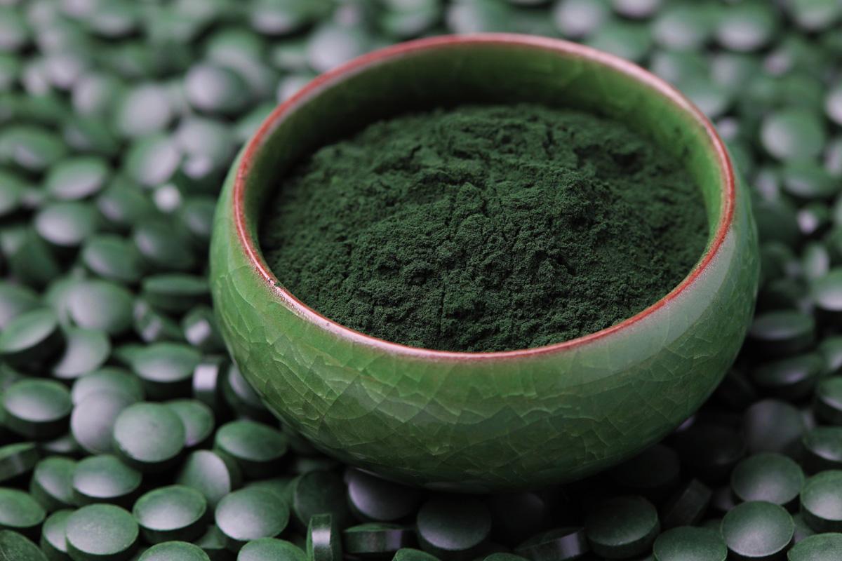 complementos alimenticios y superalimentos: espirulina