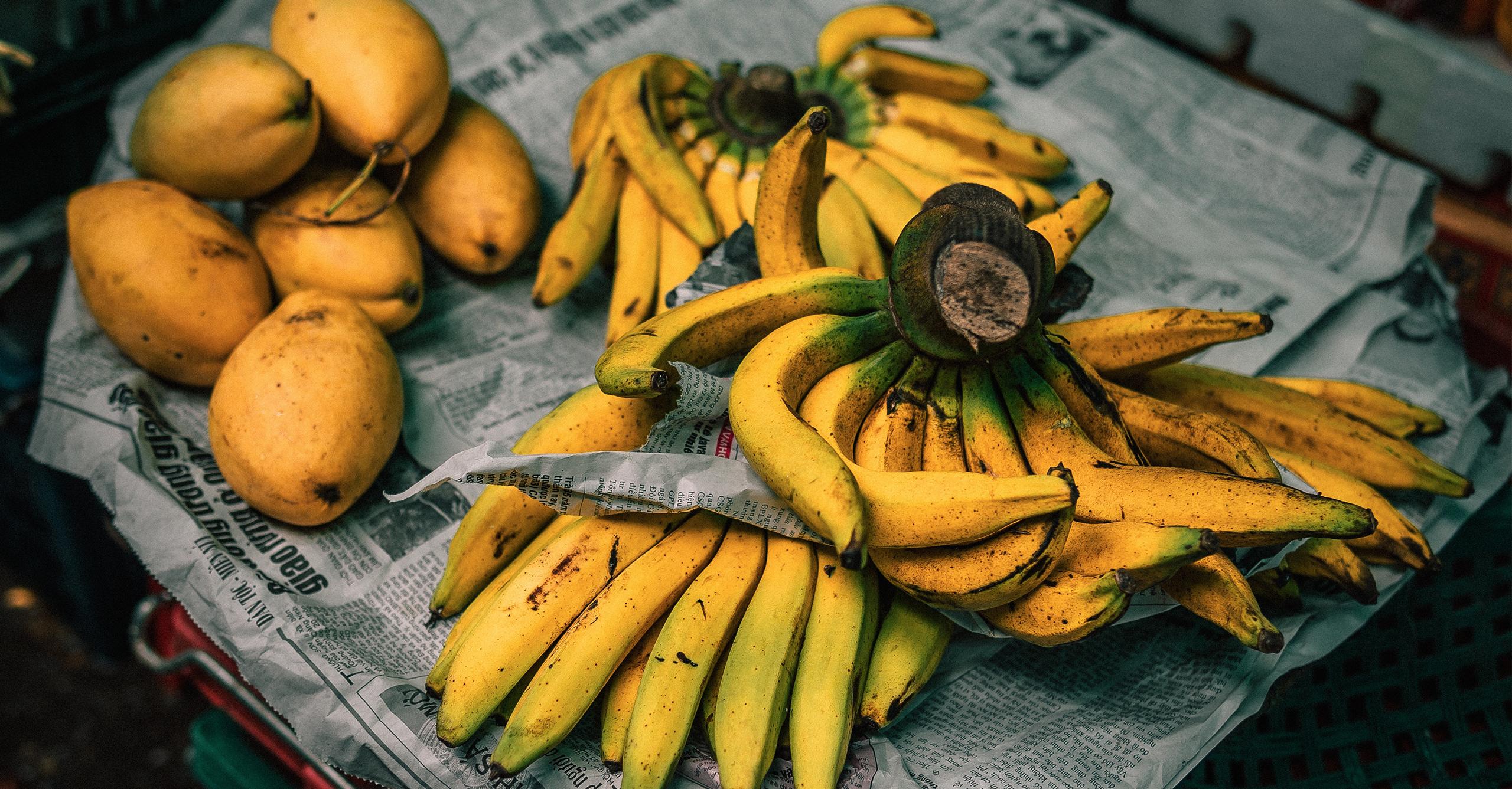 deporte, alimentos, nueces, chía, humus, leche de soja, plátanos, espinacas